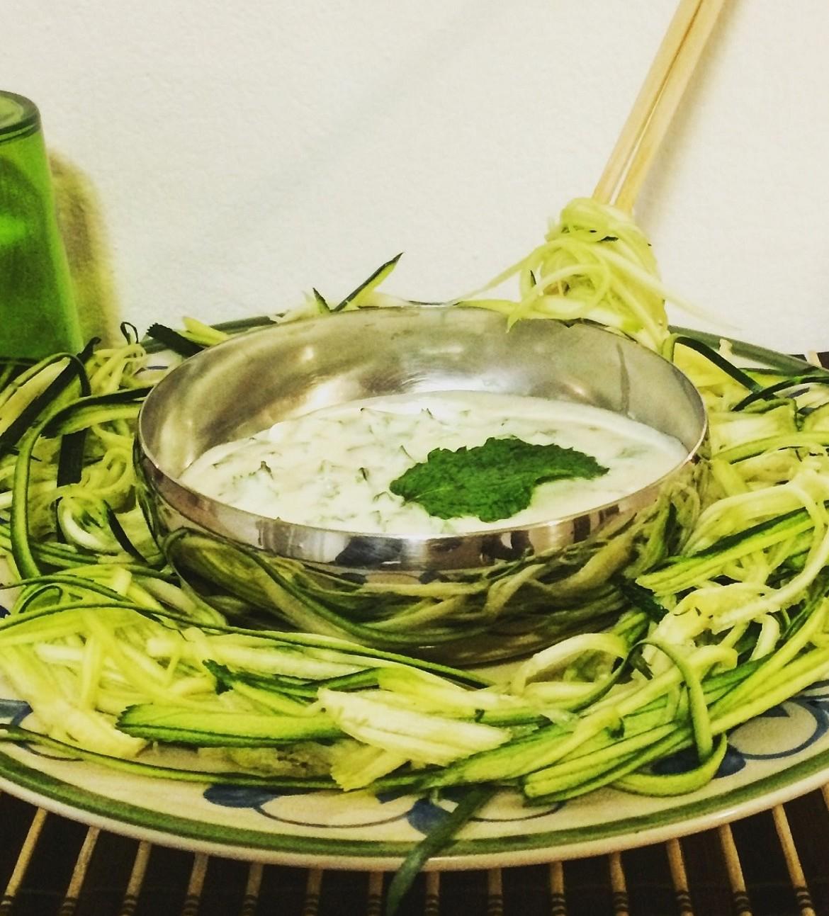 image ricetta insalata yogurt e zucchine www.gustoenutrizione.it Dr.ssa Isabelle AMATO